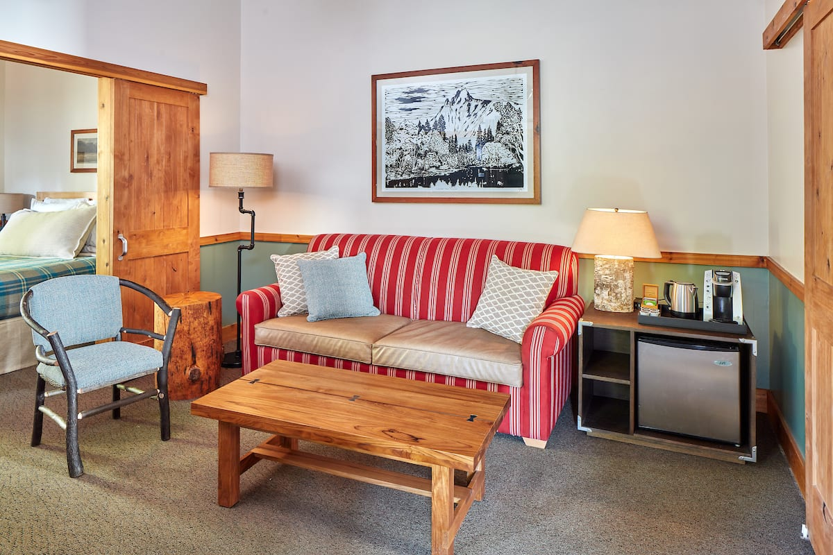 Family Cabins Evergreen Lodge -  cabin living room furniture