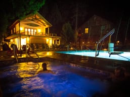 Hot Tub Stargazing at the Evergreen Lodge